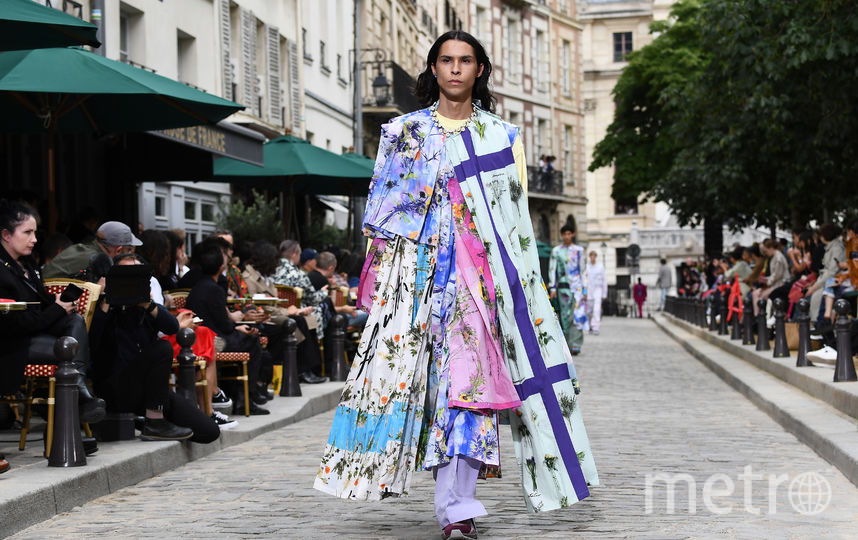 Показ Louis Vuitton в Париже. Фото AFP