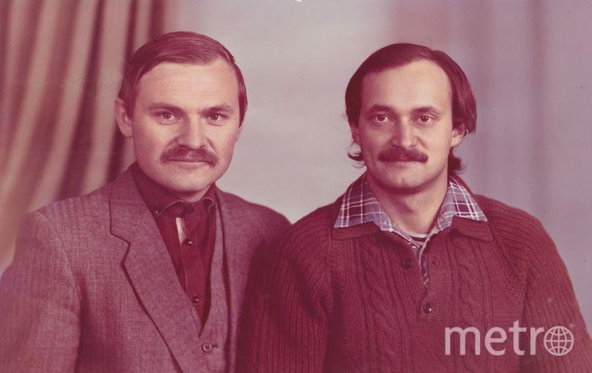 "Алексей Ананенко (справа) со своим учителем истории, 1987 год. Фото из личного архива семьи Ананенко, ""Metro"""