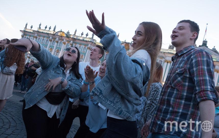 """Выпускной """"Алые паруса - 2019"""". Фото Святослав Акимов., """"Metro"""""""