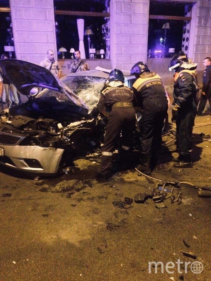 "Фото с места аварии на Энгельса. Фото https://vk.com/spb_today?w=wall-68471405_11368620, ""Metro"""