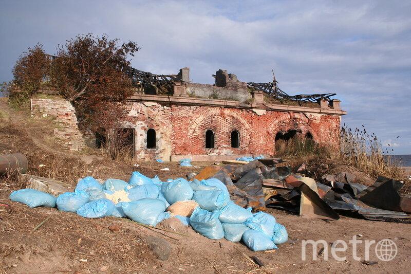 """Чистоты и порядка 3-му Северному форту эти съёмки не добавили...». Фото avp23649.livejournal.com, """"Metro"""""""