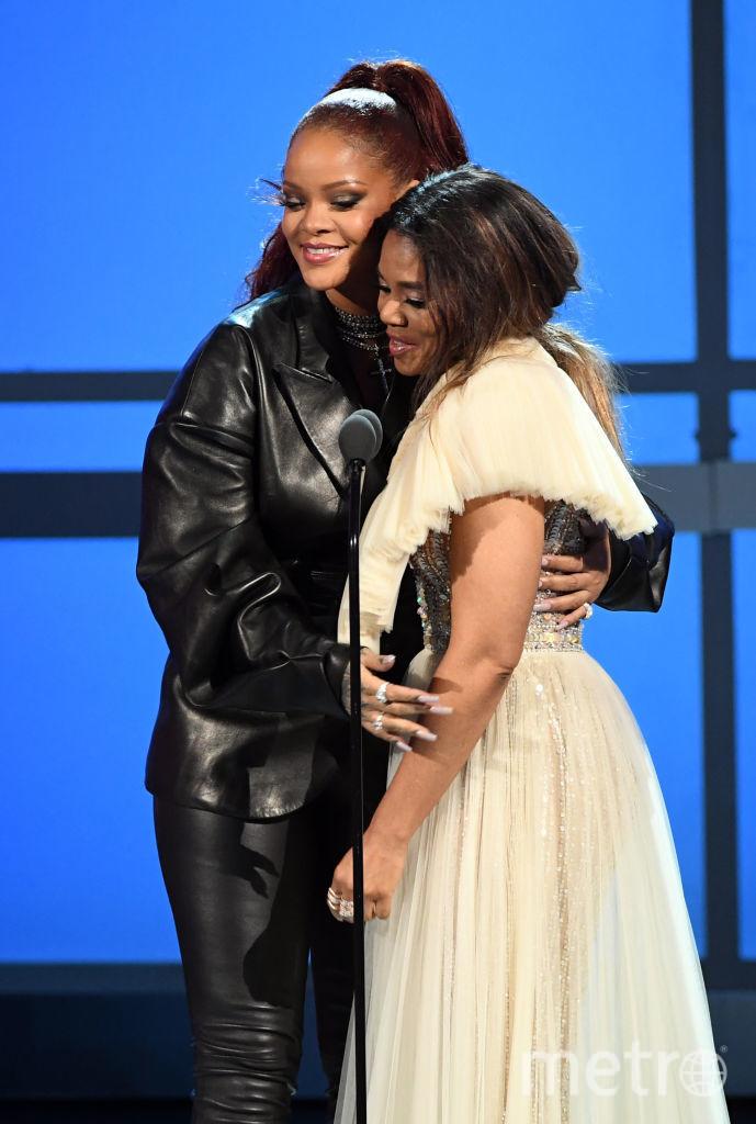 Рианна и Реджина Кинг, ведущая BET Awards-2019. Фото Getty