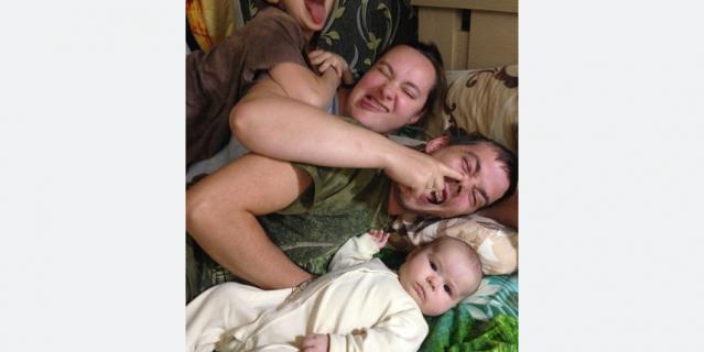 Алексей, Елена, дочки Настя и Варя.