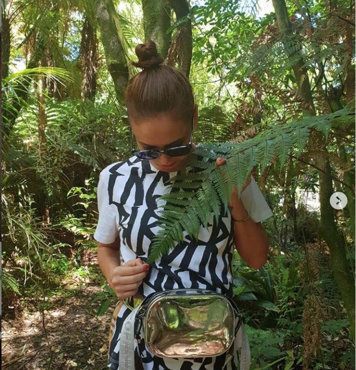 Скришнот instagram.com/liasanutiasheva.