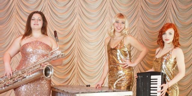 В состав оркестра «Мисс Джаз» входят только девушки.
