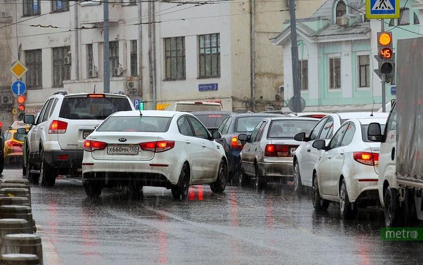 В Москве ограничат движение транспорта. Фото Василий Кузьмичёнок