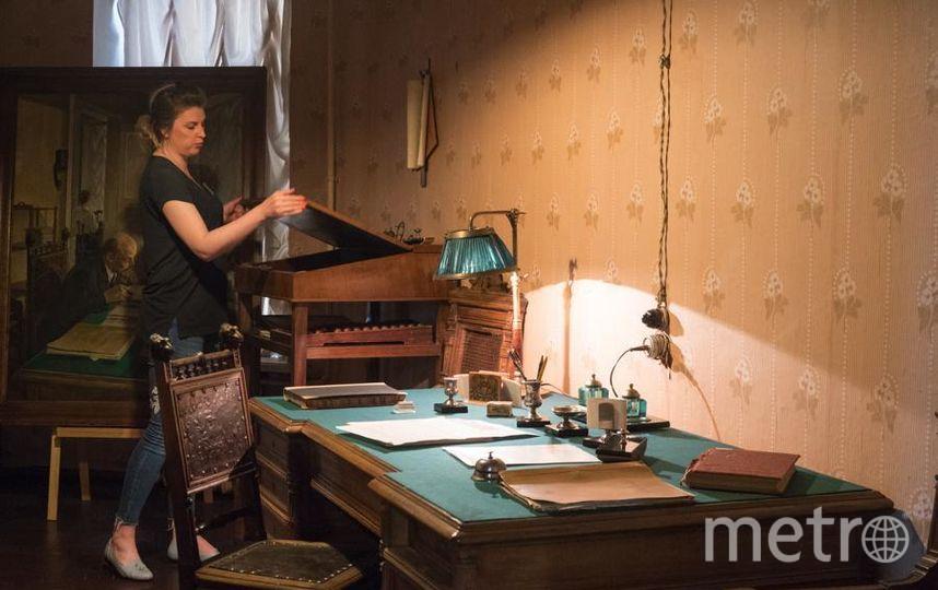 """Экспонаты музея. 170 статей написал Ленин на Мойке, 32, за несколько месяцев. Вся мебель в кабинете редактора – подлинная. Ленин работал над свежим номером вот за таким столом. Фото Святослав Акимов, """"Metro"""""""