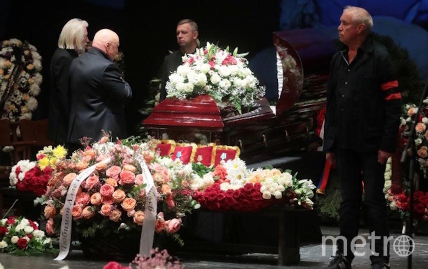 Актёр Сергей Гармаш на церемонии прощания. Фото РИА Новости