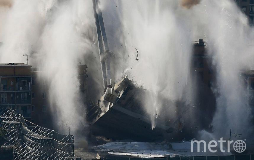 Взрыв моста в Генуе (Италия). Фото AFP