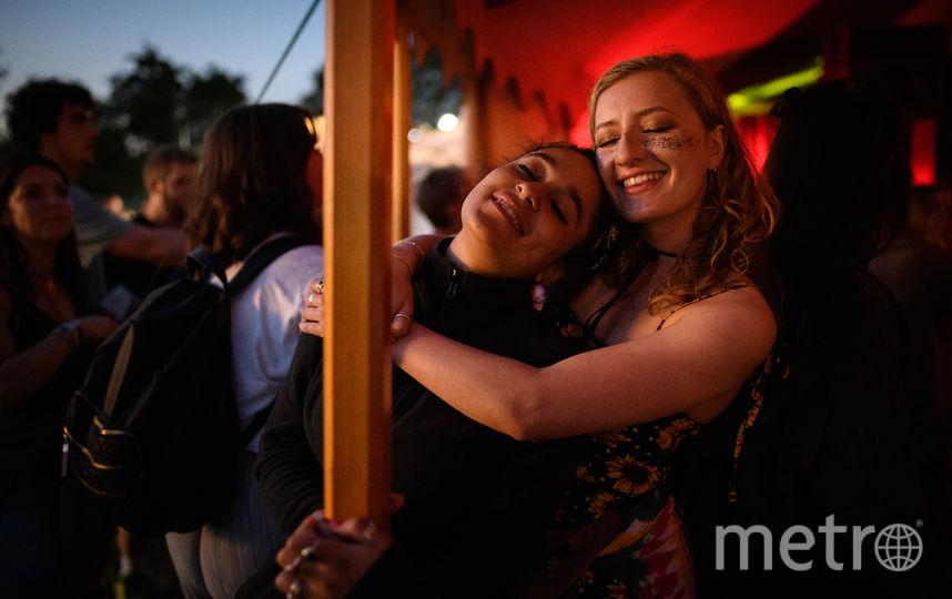 Безумные и голые: Самые яркие фото первых дней Гластонбери-2019. Фото Getty