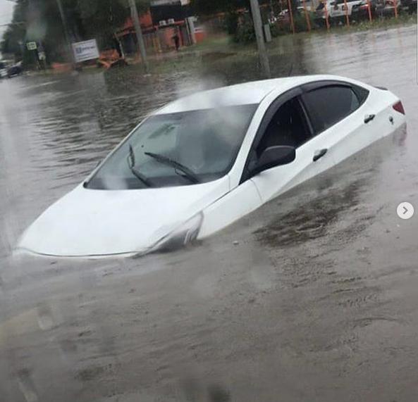 Потоп в Шереметьево. Фото скриншот: instagram.com/vladagordina/