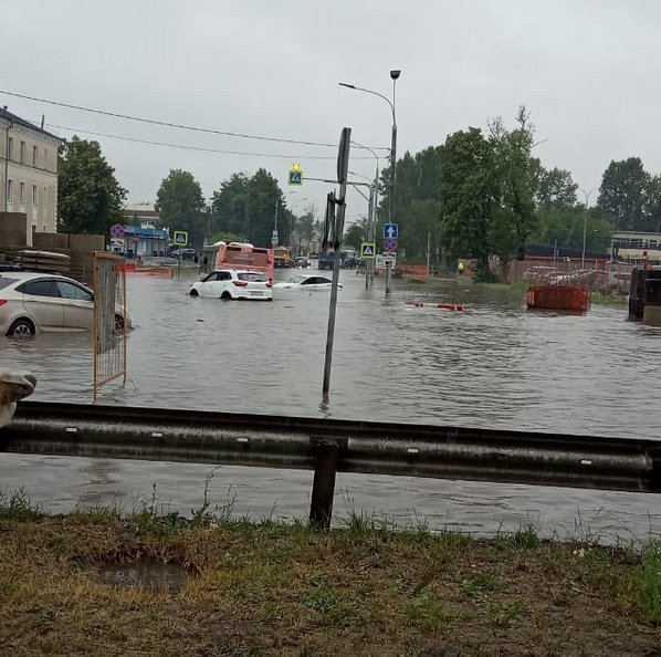 Потоп в Шереметьево. Фото скриншот: instagram.com/vorobevdmitriy/