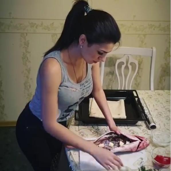 Кулинария в исполнении Ирины Смирновой. Фото Скриншот видео Instagram/_irina__smirnova_