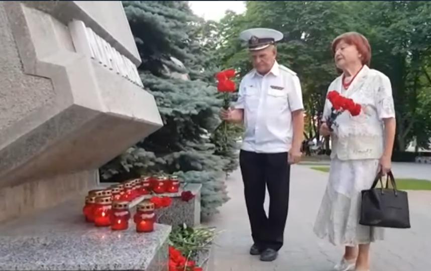 """Память погибших почтили в Севастополе. Фото """"Metro"""""""
