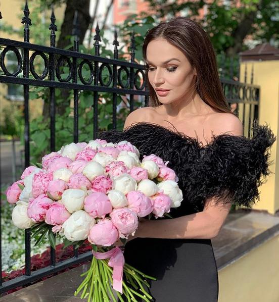 Алёна Водонаева. Фото скриншот: instagram.com/alenavodonaeva/