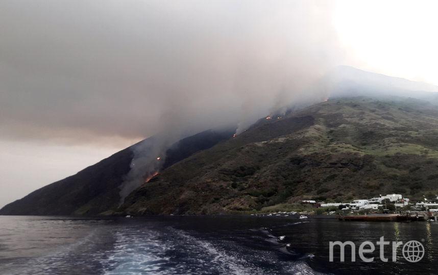 Извержение вулкана Стромболи в Италии. Фото AFP