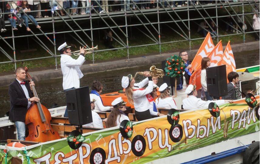 """Речной карнавал. Архив прошлых лет. Фото Алена Бобрович, """"Metro"""""""