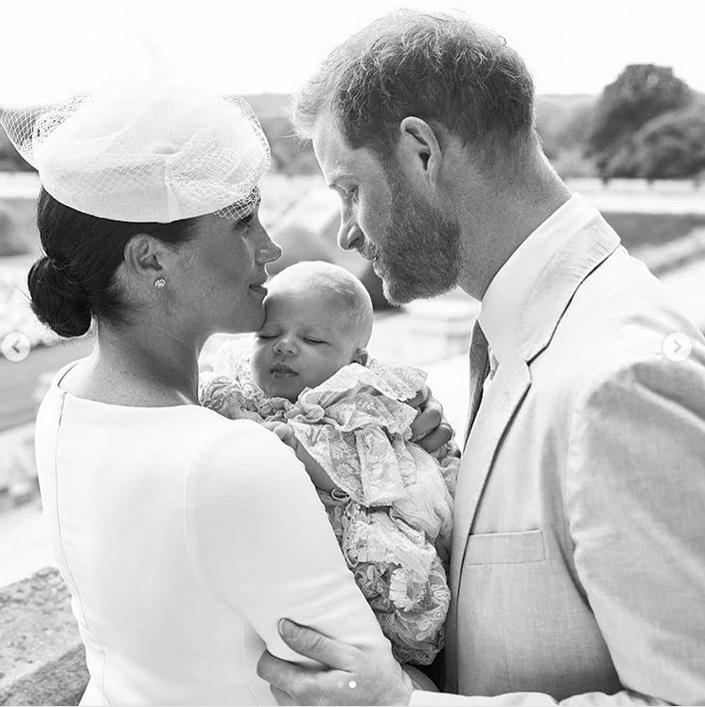 Фото крестин сына принца Гарри и Меган Маркл взорвали Сеть. Фото Скриншот Instagram: @sussexroyal