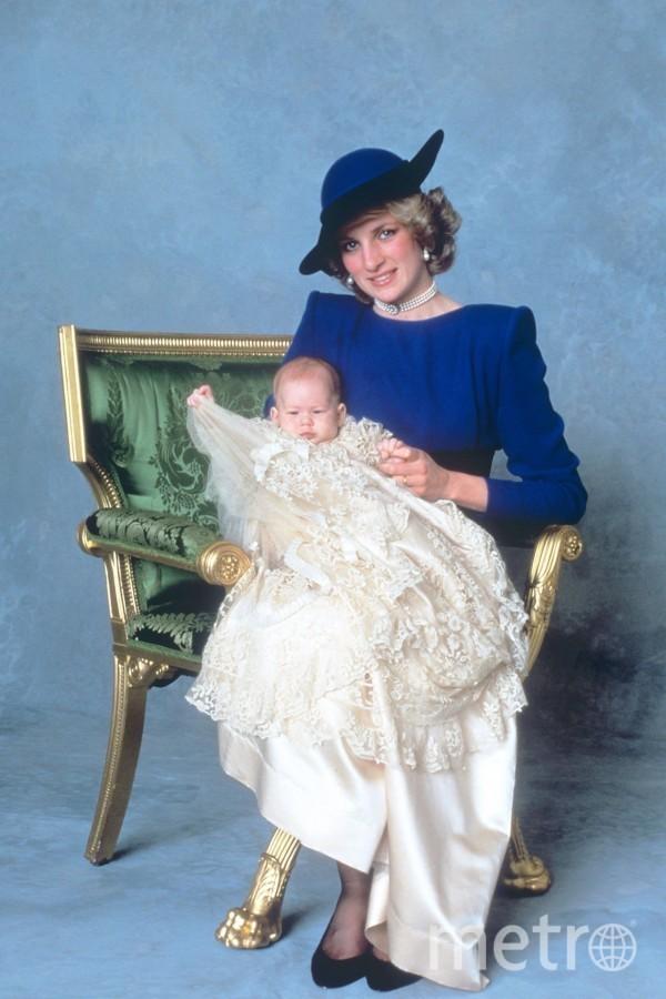 """Фото Дианы на крестинах ее сына Гарри. Фото """"Metro"""""""