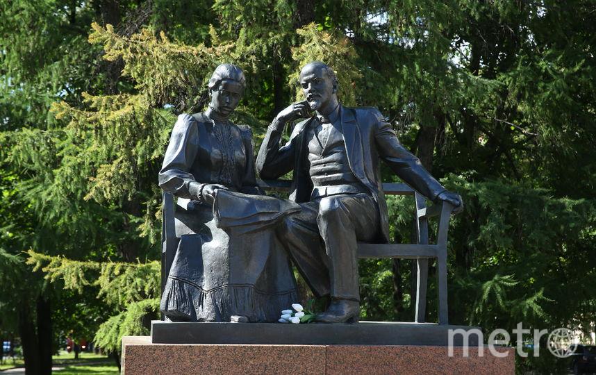 Памятник Ленину и Крупской. Фото Василий Кузьмичёнок