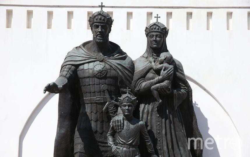 Памятник семье Дмитрия Донского. Фото Василий Кузьмичёнок