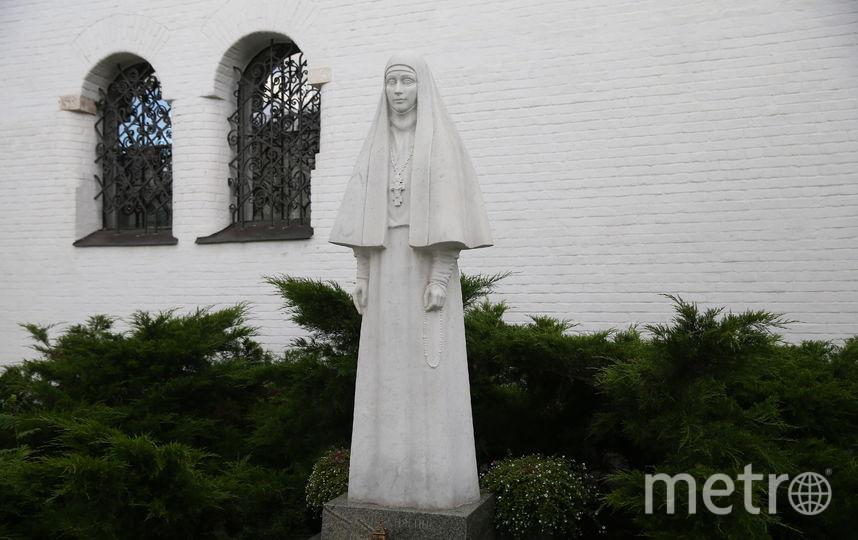 Памятник Елизавете Фёдоровне на территории Марфо-Мариинской обители милосердия. Фото Василий Кузьмичёнок