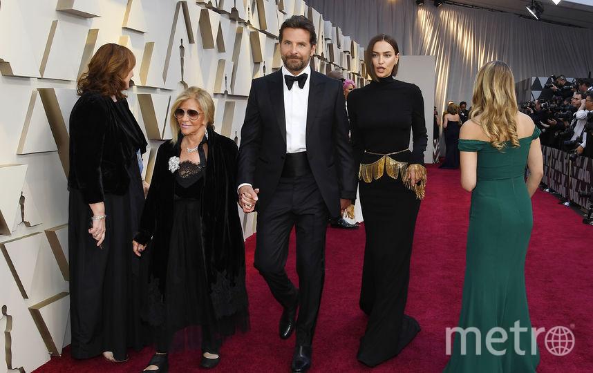 Брэдли Купер, Ирина Шейк и Глория Кампано. Фото Getty