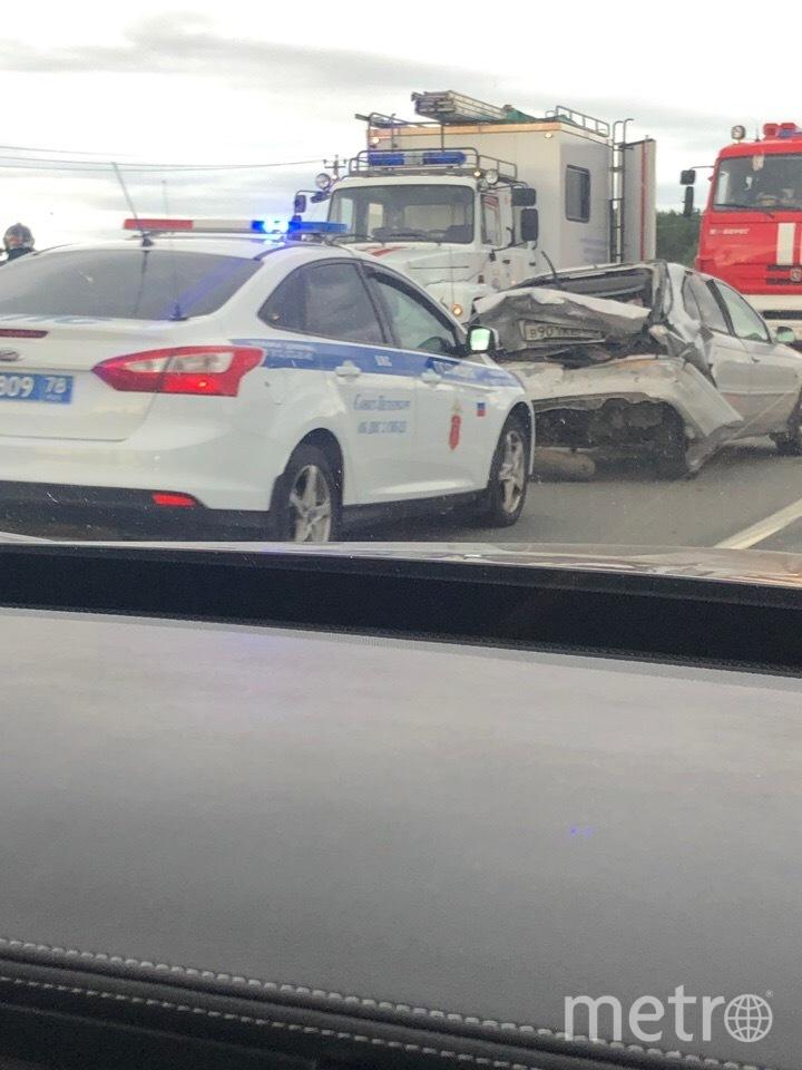 "Фото с места аварии на трассе ""Кола"". Фото https://vk.com/spb_today?w=wall-68471405_11482014, vk.com"