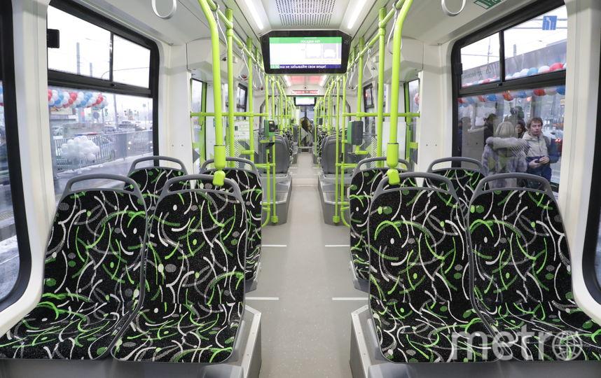"""В удобстве трамваев «Чижик» петербуржцы уже смогли убедиться. Строительство линий продолжается и будет завершено в третьем квартале 2019 года. Фото """"Metro"""""""