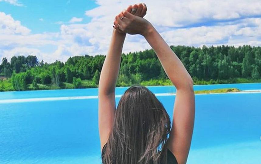 Как отмечает автор фото, чувствуется явный запах химии, особенно когда спускаешься совсем близко к воде. Фото Скриншот Instagram @modnaya_viki