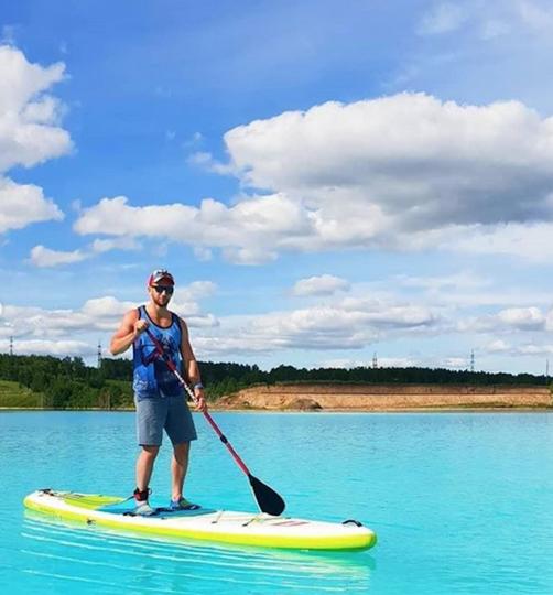 Виды действительно впечатляют: природа, ярко-бирюзовая вода. Фото Скриншот Instagram @sup_novosibirsk
