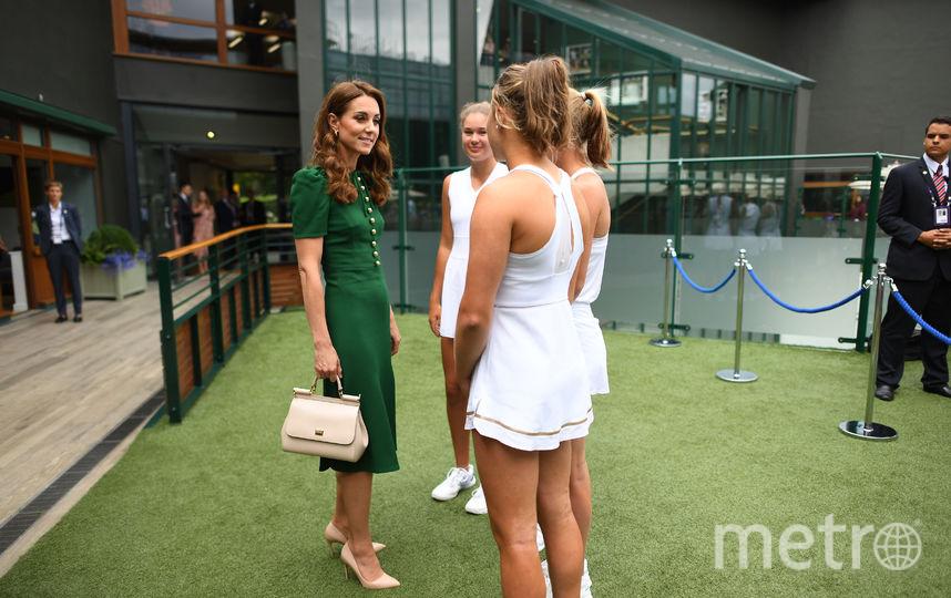 Кэтрин встретилась с юными теннисистками. Фото Getty