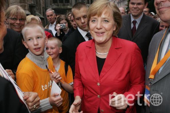 Кандидат в канцлеры от немецких христианских демократов Ангела Меркель перед предвыборным митингом 12 августа 2005 года в Брауншвейге. Фото Getty