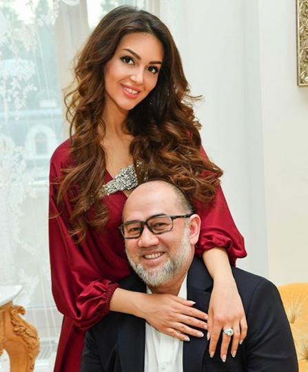 Оксана Воеводина и Мухаммадом V. Фото Скриншот https://www.instagram.com/rihanapetra/