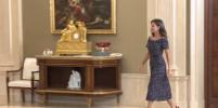 Дёшево и со вкусом: королева Летиция появилась на приёме в платье за 1500 рублей