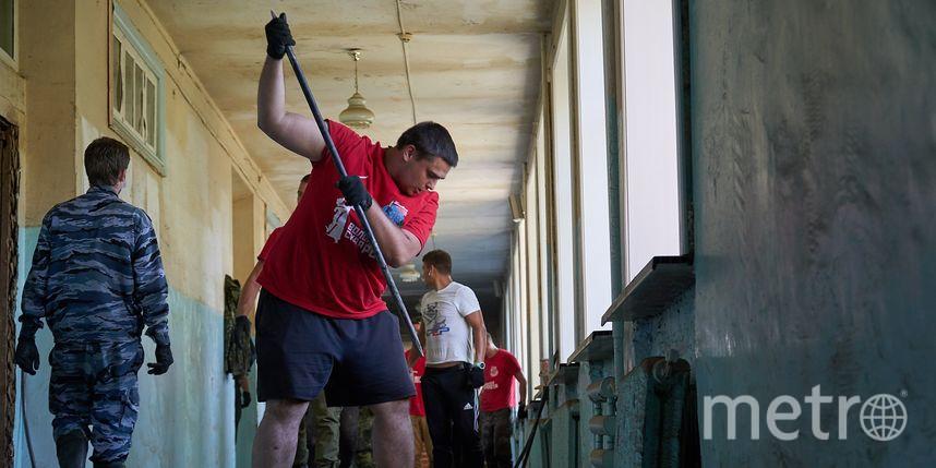 Волонтёры вспомнили, как помогали людям в затопленном Тулуне: репортаж