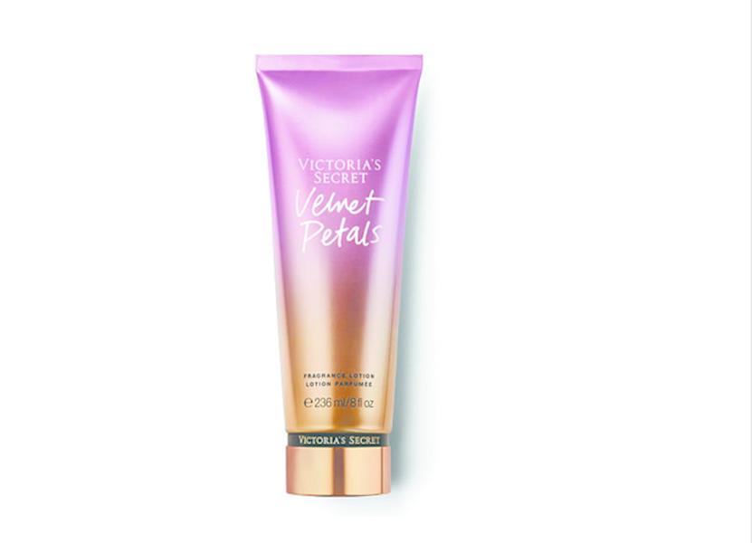 Victoria's Secret молочко для тела Velvet Petals.