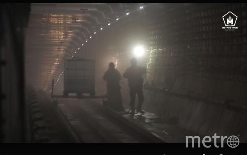 """Фото с запуска первого поезда между Международной и Шушарами. Фото https://www.instagram.com/metrospbphoto/, """"Metro"""""""