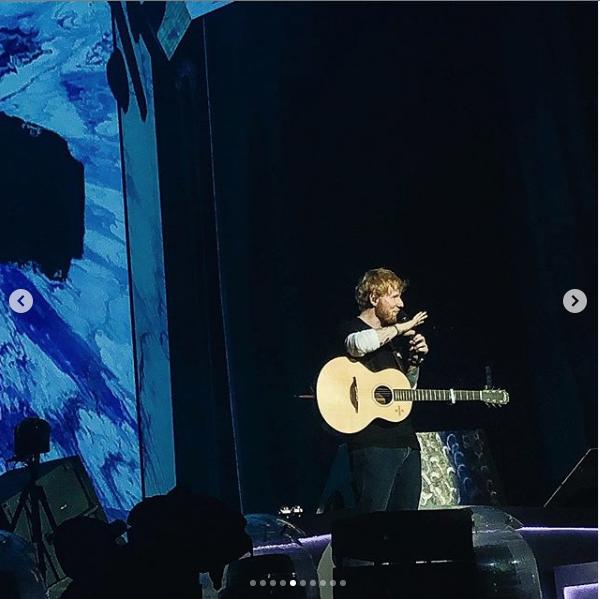 Эд Ширан поёт в Москве. Фото скриншот Instagram polina_sch_