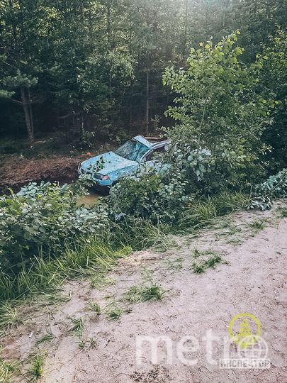 Смертельное ДТП в Ленобласти: автомобиль перевернулся семь раз. Фото vk.com/dorinspb, vk.com
