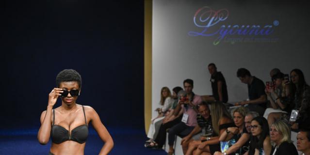 Выставка пляжной моды в Италии.