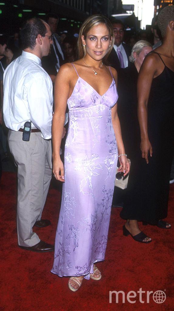 Дженнифер Лопес обожает эпатажные и откровенные платья. Фото 1996 года. Фото Getty
