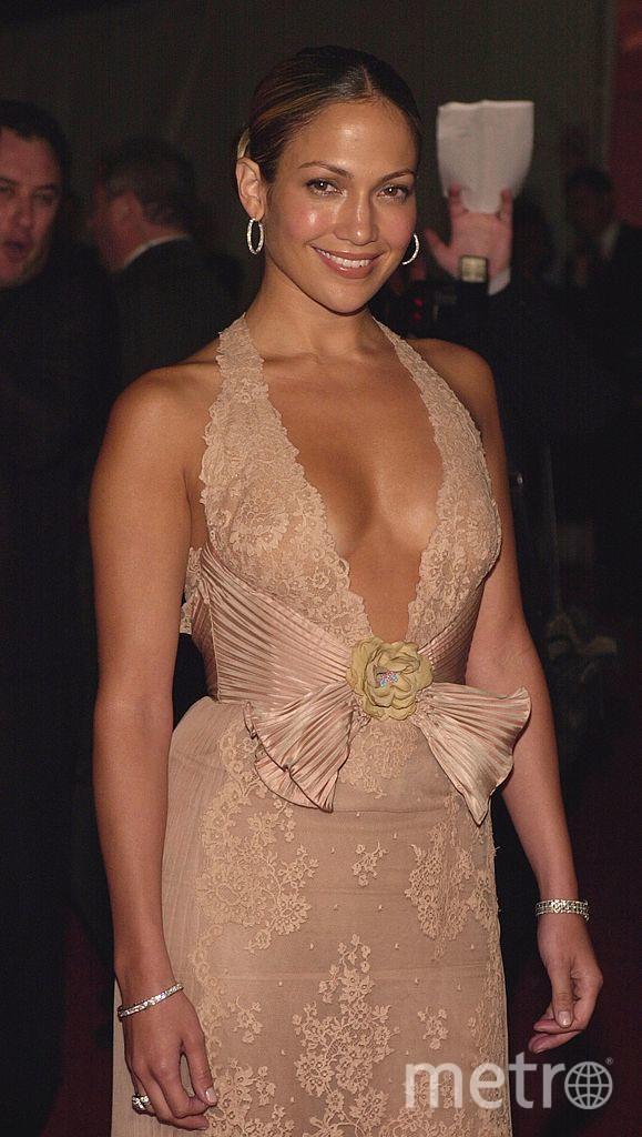 Дженнифер Лопес обожает эпатажные и откровенные платья. 1990-е годы. Фото Getty