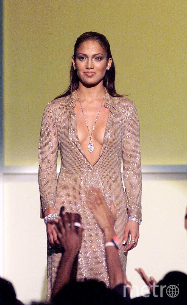 Дженнифер Лопес обожает эпатажные и откровенные платья. Начало 2000-х. Фото Getty