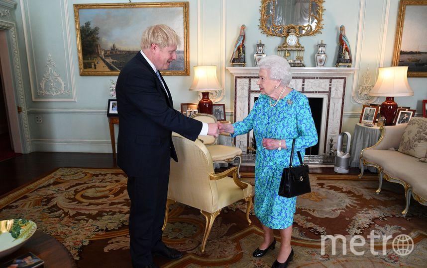 Королева Елизавета II и Борис Джонсон. Фото AFP