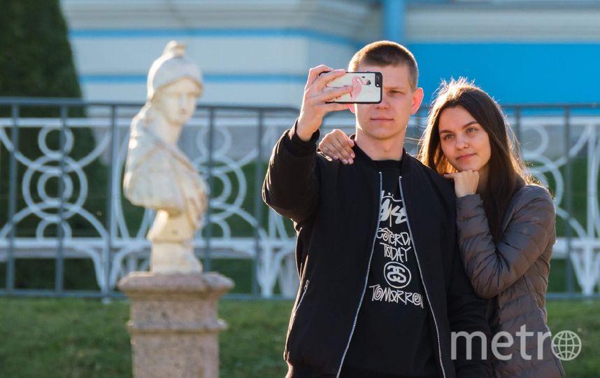 """Селфи в музеях психологи рассматривают как желание оставить свой след: """"Здесь был Вася"""". Фото """"Metro"""""""