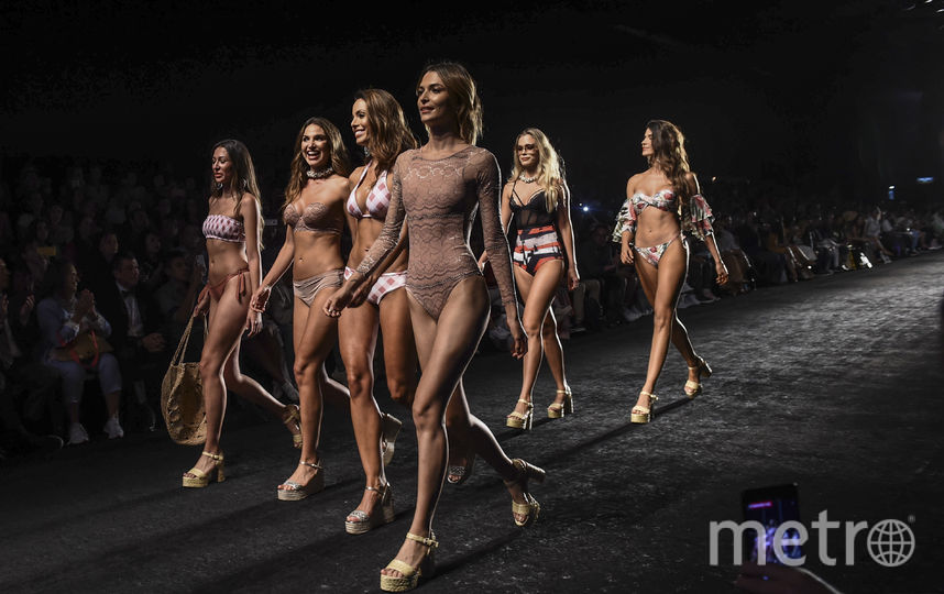 В колумбийском городе Медельин началась Неделя моды. Фото AFP