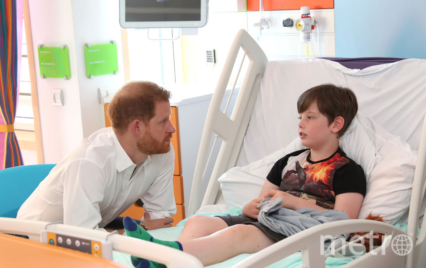 Принц Гарри посетил Шеффилдский детский госпиталь. Фото Getty