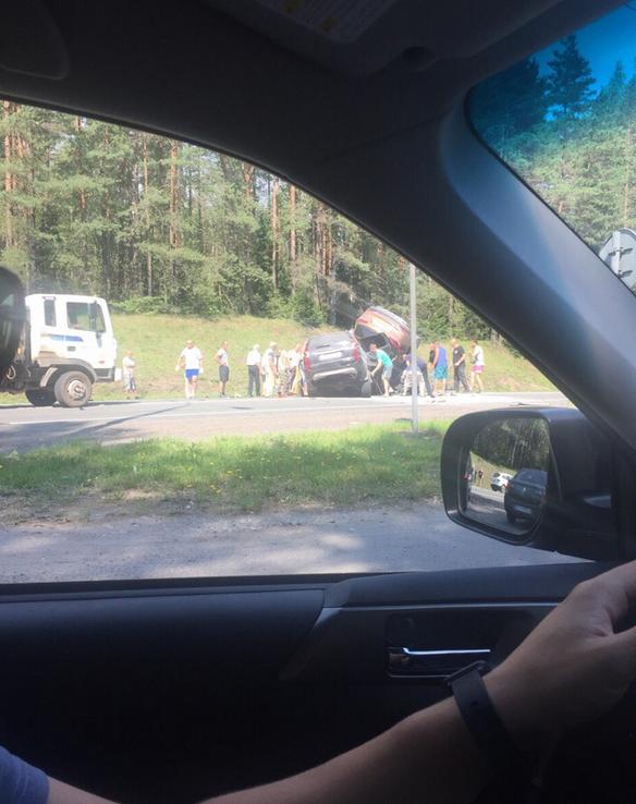 Четыре человека погибли в ДТП на трассе Петербург - Псков. Фото https://vk.com/spb_today