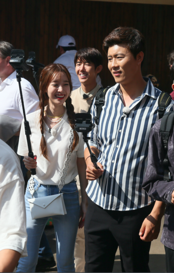 Актриса Чин Сэ-ён и комик Ли Ён Джин. Фото Василий Кузьмичёнок
